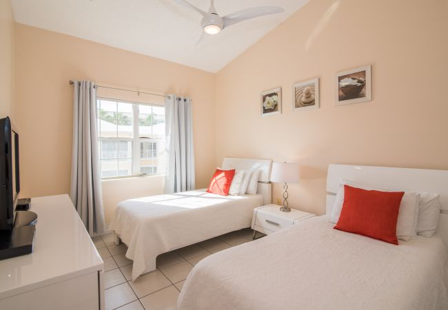 Residence in Seven Mile Beach - Regal Beach Club #632