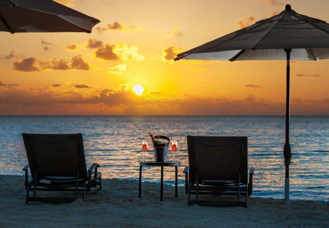Residence in Seven Mile Beach - Regal Beach Club #133