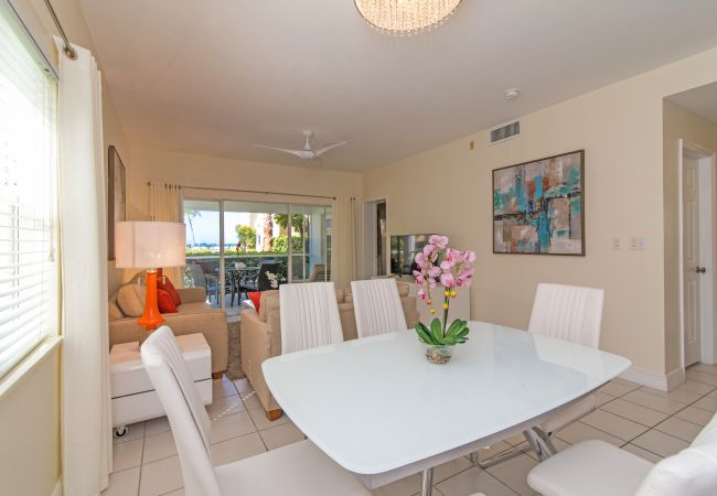 Condominium in Seven Mile Beach - Regal Beach Club #513