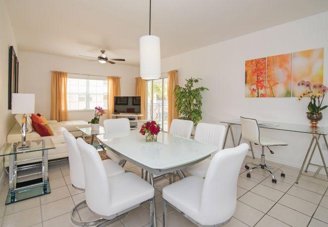 Condominium in Seven Mile Beach - Regal Beach Club #522